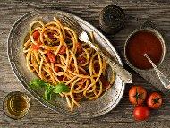 Обикновени веган спагети с доматен сос